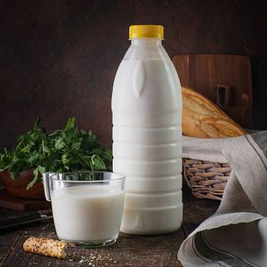 Напиток кисломолочный кефирный ИТ.jpg