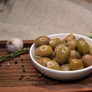 Оливки зеленые Royal с сыром .jpg