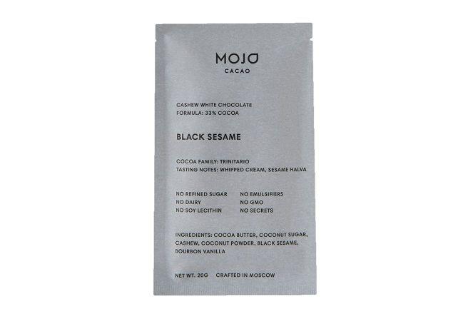 Белый шоколад Mojo cacao с обжаренным черным кунжутом 20 г.jpg